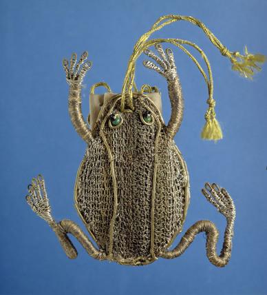 Ashmolean frog purse