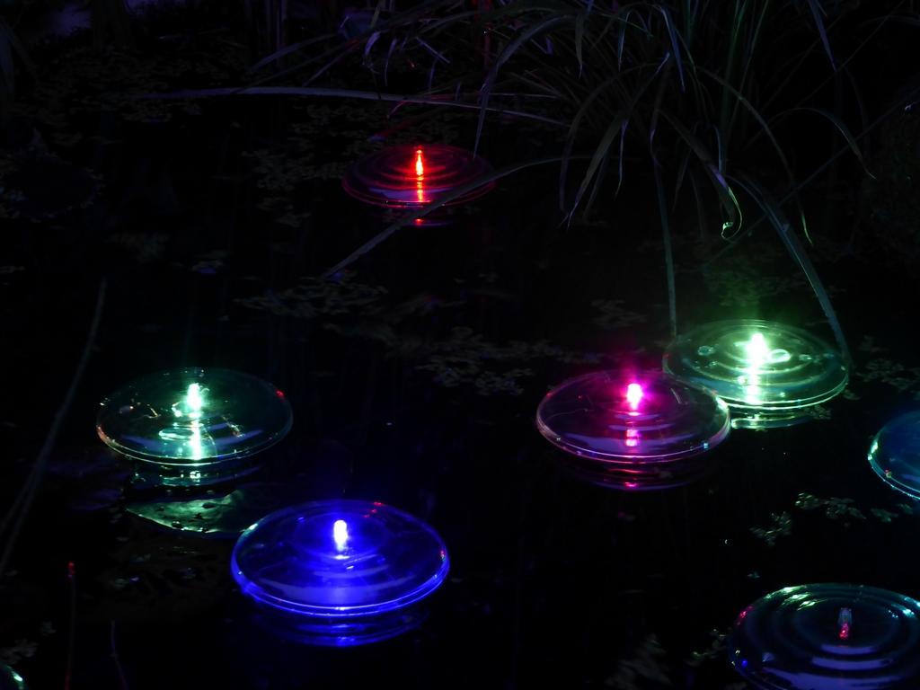 Patrick Coyle, <em>The Floating Thirty-Nine</em>, 2016, Adapted solar pond lights.