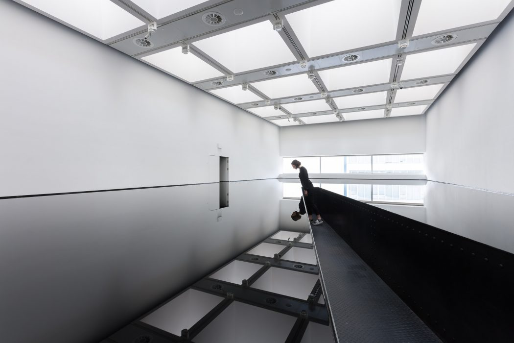 Installation view of Richard Wilson: 20:50, (19...rtesy Hayward Gallery 2018. Photo: Mark Blower.