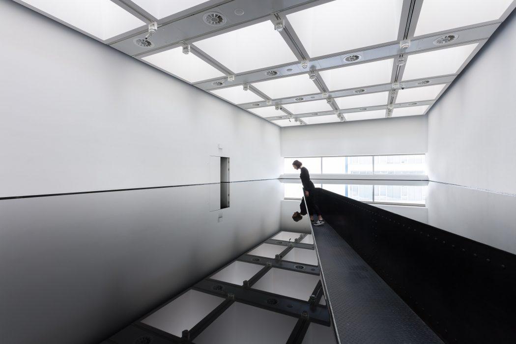 Installation view of Richard Wilson: 20:50, (19...rtesy Hayward Gallery 2018. Photo: Mark Blower.